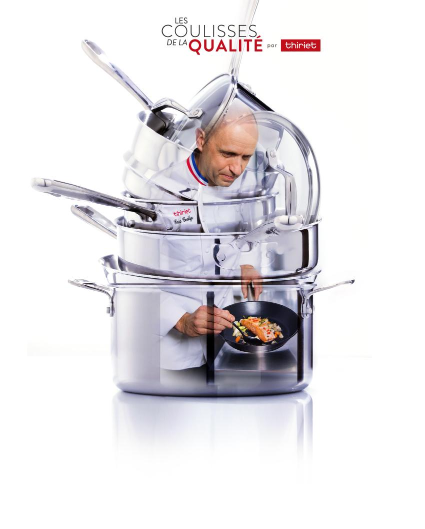 Une personne cuisinant un plat