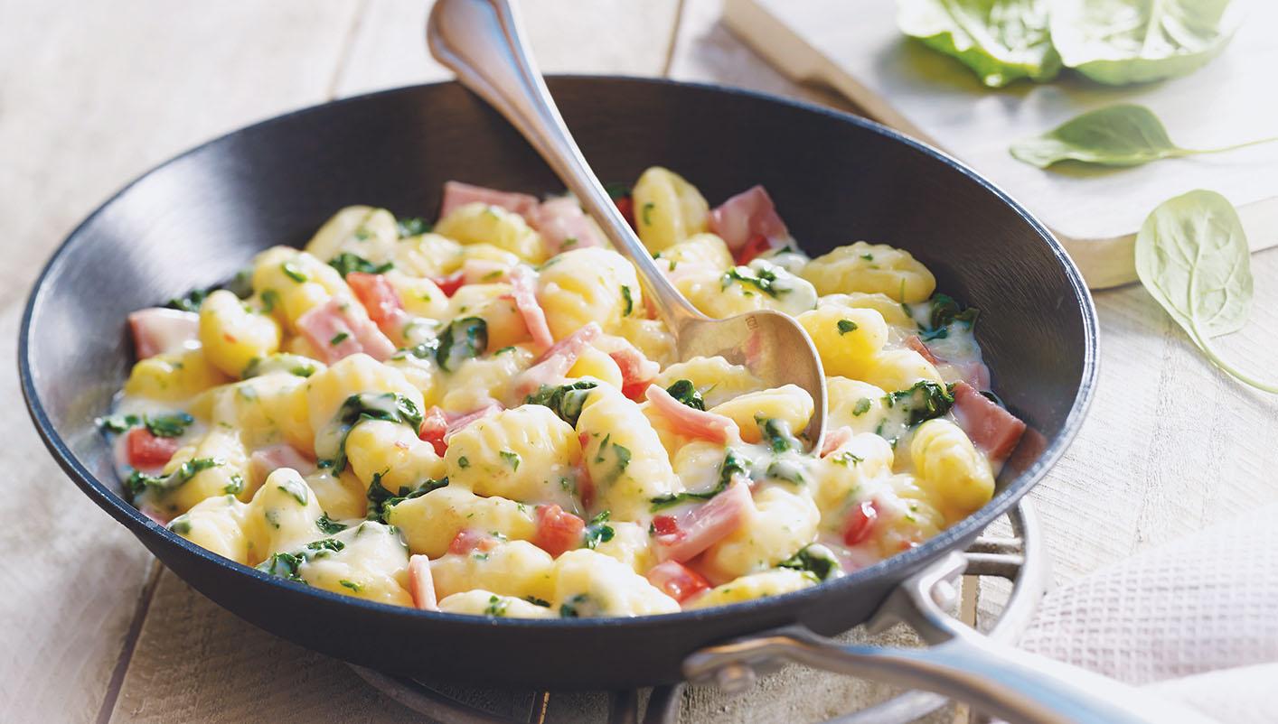 Gnocchi jambon, épinards, sauce emmental