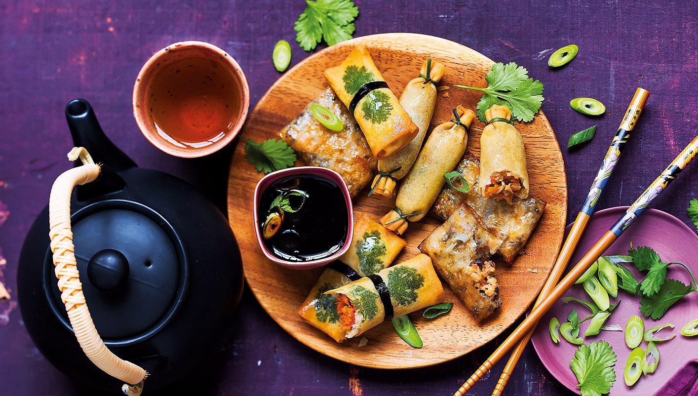 Assortiment de bouchées croustillantes vietnamiennes