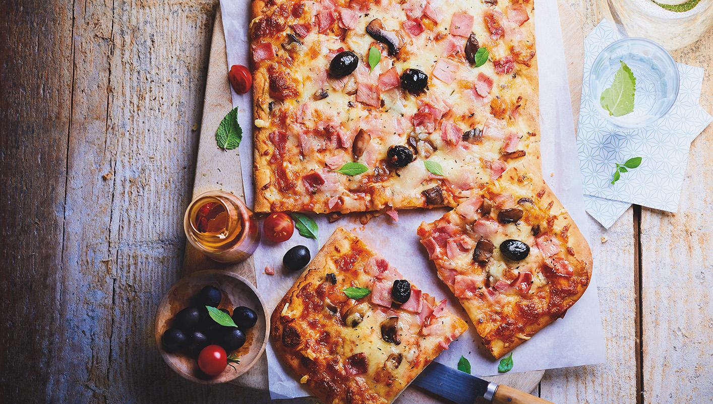 Pizzas familiales - 2 à 4 parts Lot de 2 boîtes au choix