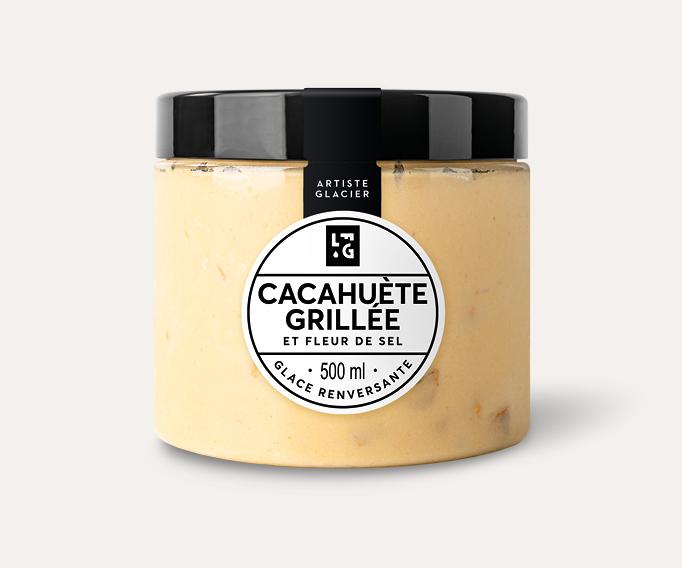 Crème glacée artisanale cacahuète grillée et fleur de sel