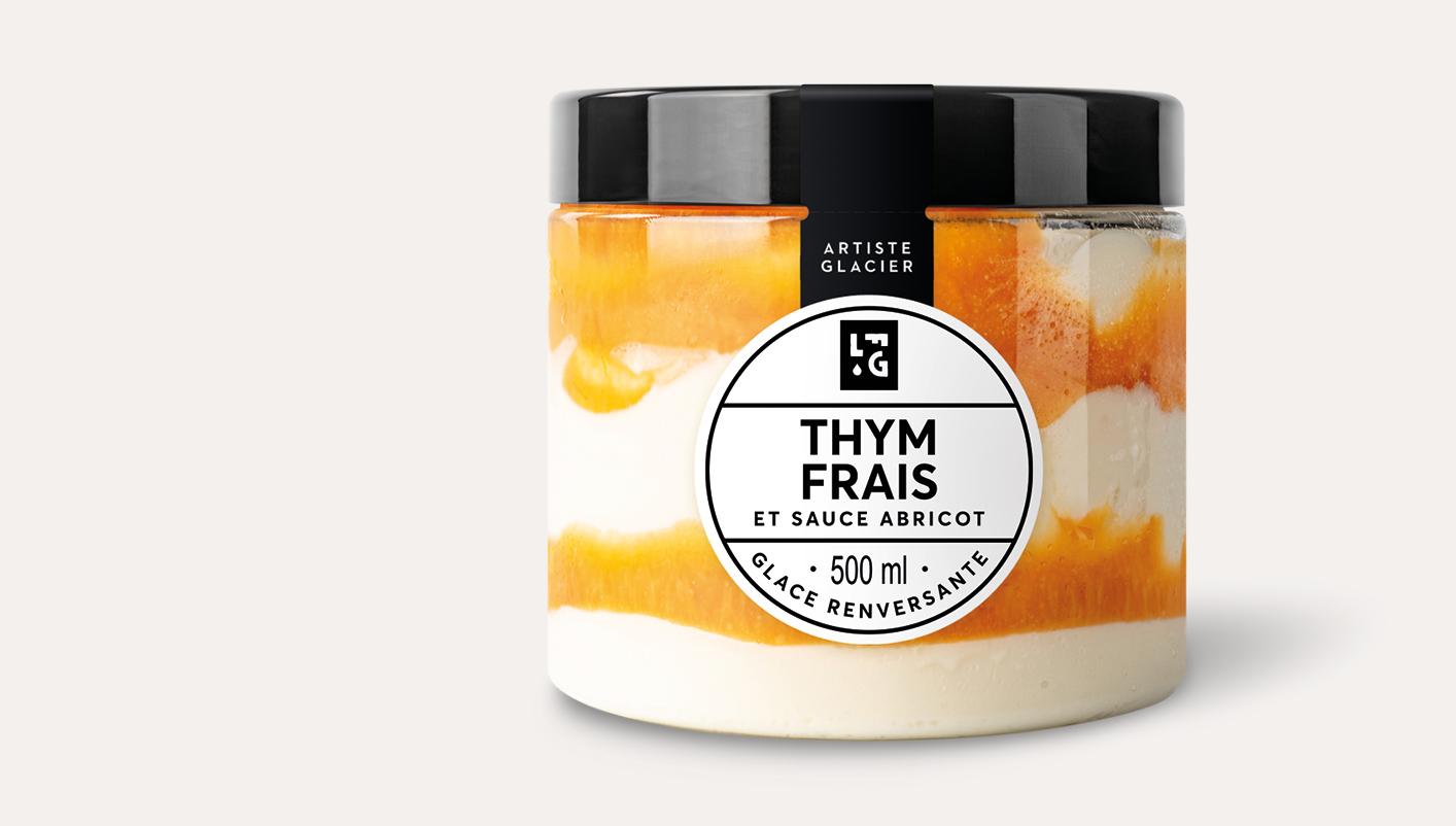 Crème glacée artisanale thym frais et sauce abricot