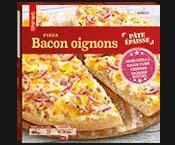 Pizza pâte épaisse bacon oignons