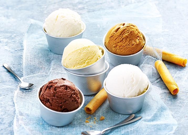 Crème glacée Noix de coco et noix de coco râpée