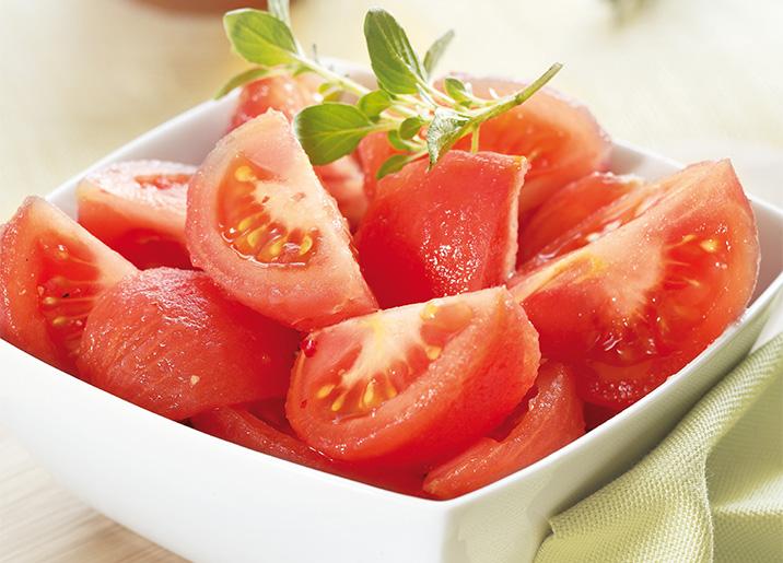 Tomates pelées, en quartiers