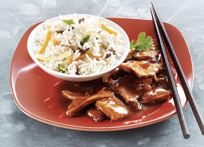 Porc au caramel et riz basmati aux petits légumes
