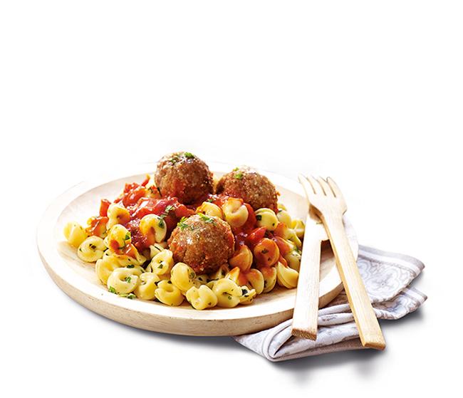Boulettes de soja, sauce tomate, pâtes aux herbes