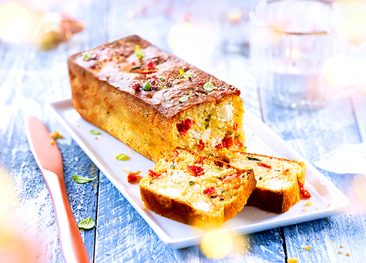 Cake apéritif chèvre/tomates