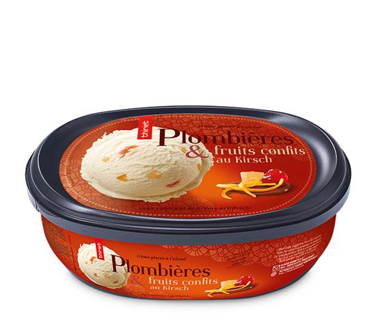 Crème glacée Plombières et cubes de fruits confits