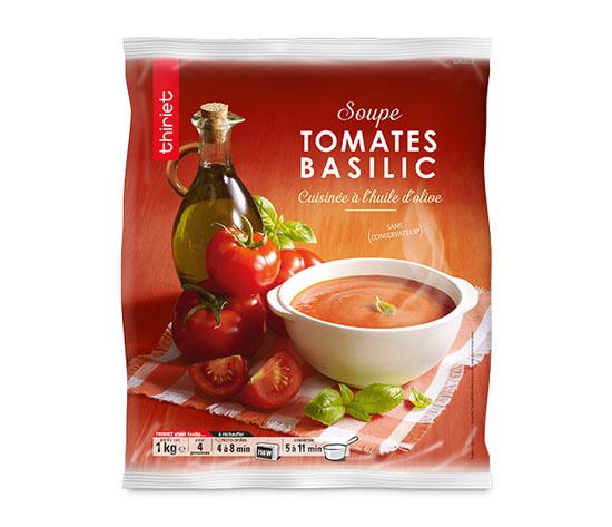 Soupe de tomates à l'huile d'olive et au basilic
