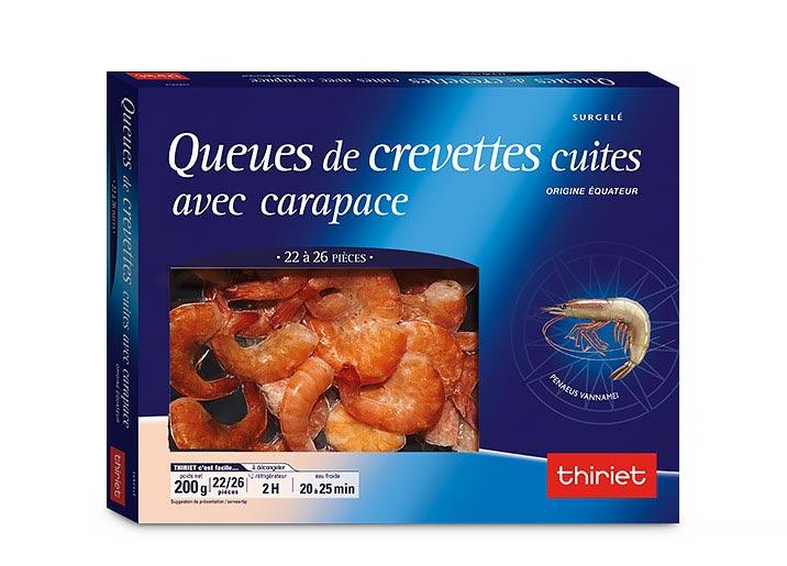 Queues de crevettes cuites avec carapace