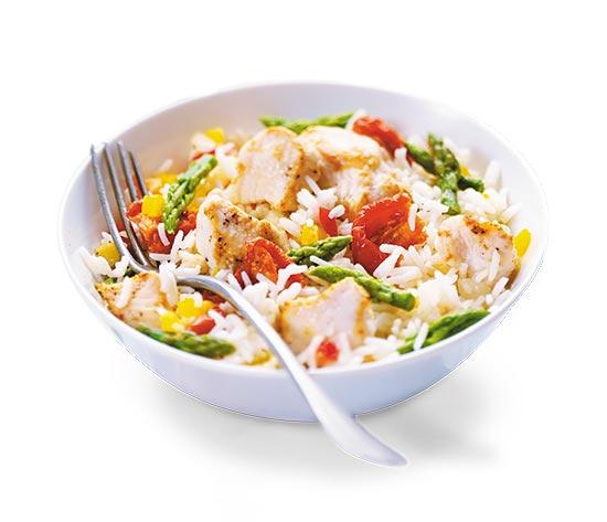 Poulet, riz basmati, tomates et pointes d'asperges