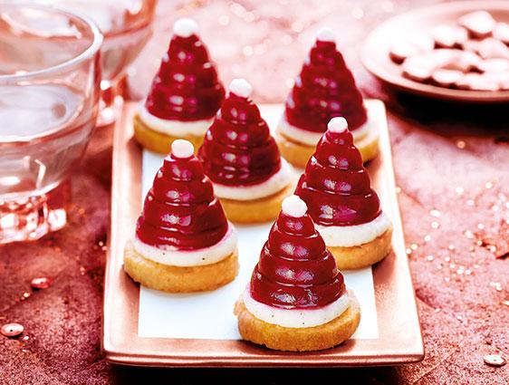 Mignardises - Mini bonnets de Père Noël framboise-vanille-coco