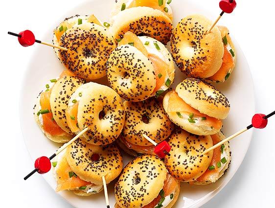 Apéritifs froids en promotion - Mini bagels au saumon fumé
