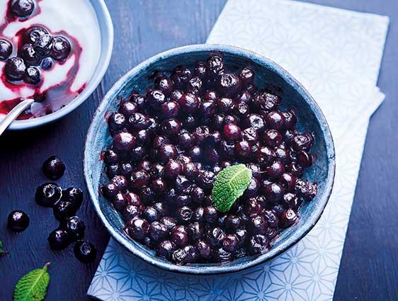 Fruits surgelés en promotion - Les deux sachets de myrtilles