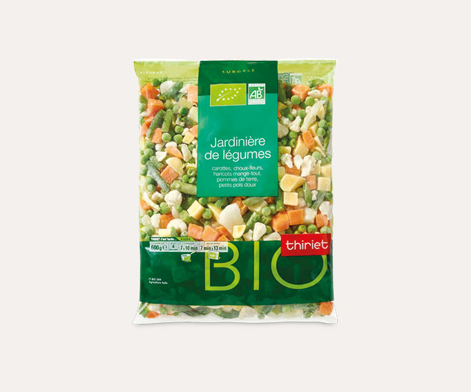 Jardinière de légumes biologiques