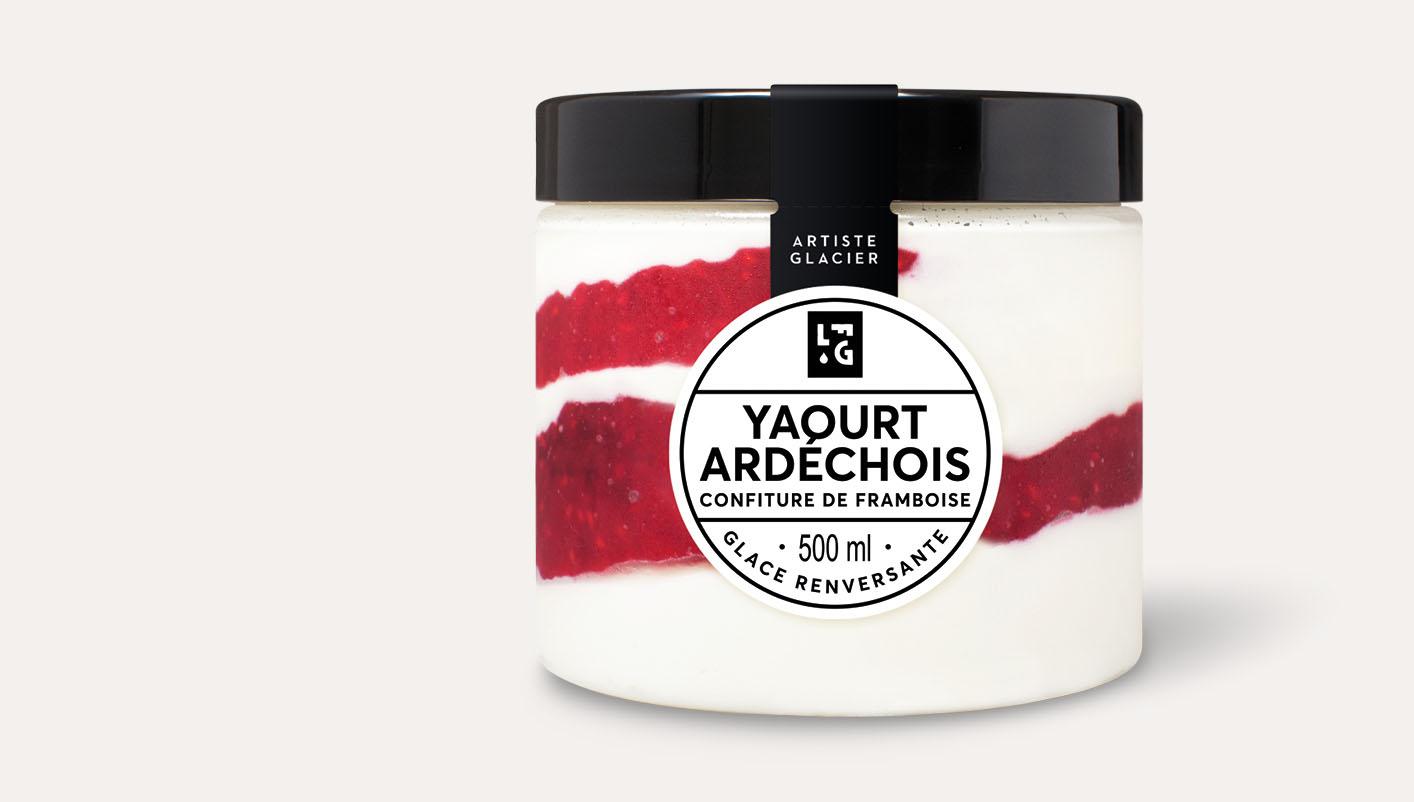 Glace artisanale yaourt ardéchois et confiture de framboise