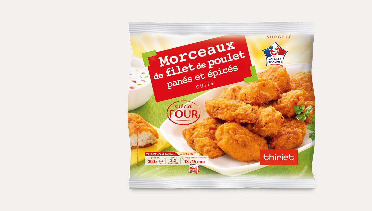Morceaux de filet de poulet panés épicés