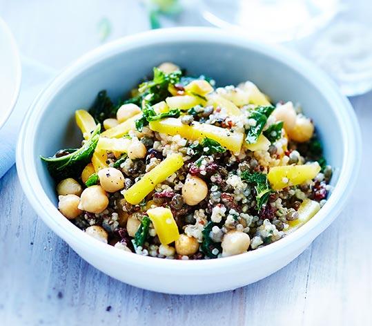 Salade de quinoa, lentilles et chou kale